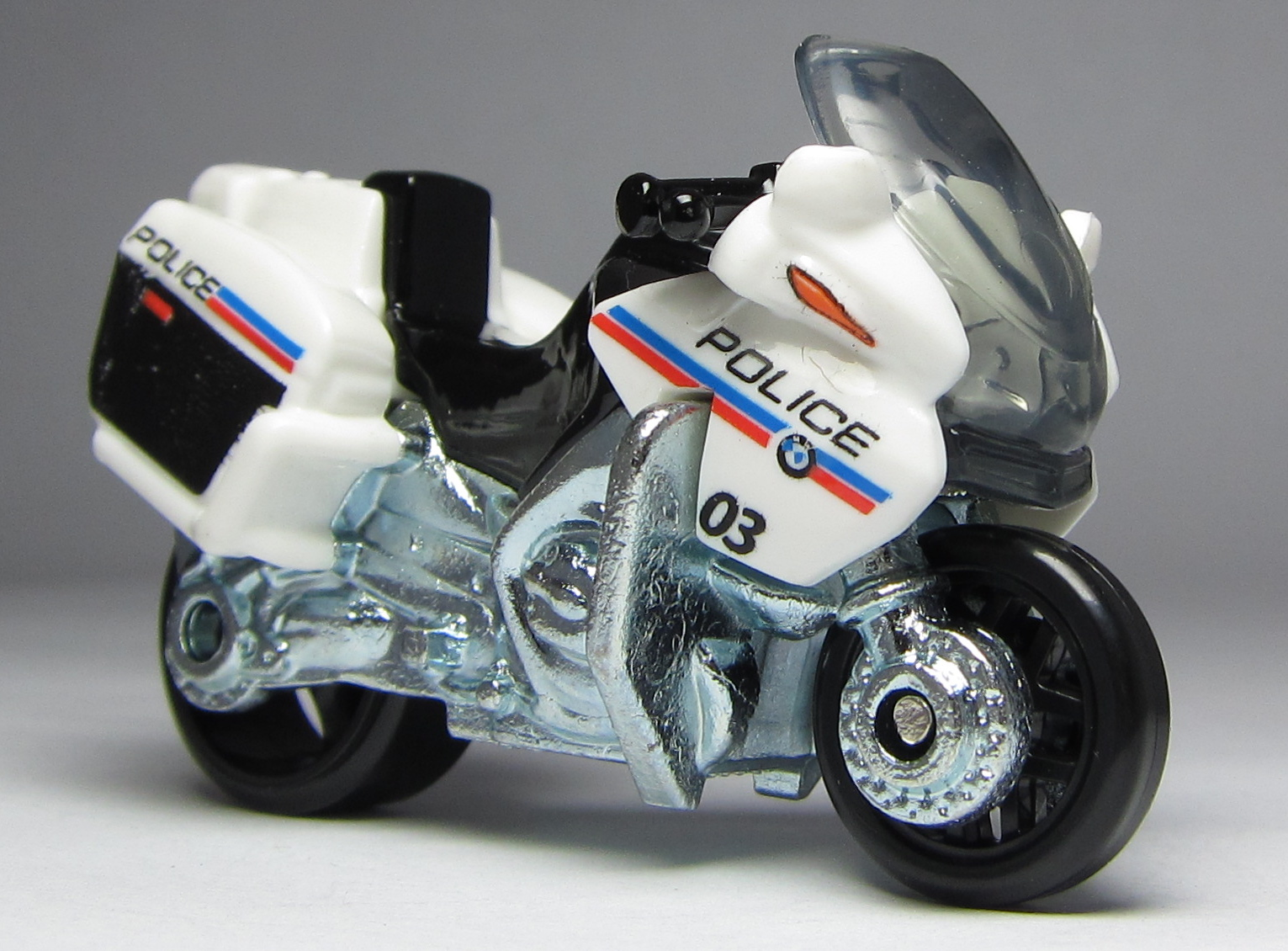 first look matchbox bmw r1200 rt p police motorcycle the lamley group. Black Bedroom Furniture Sets. Home Design Ideas