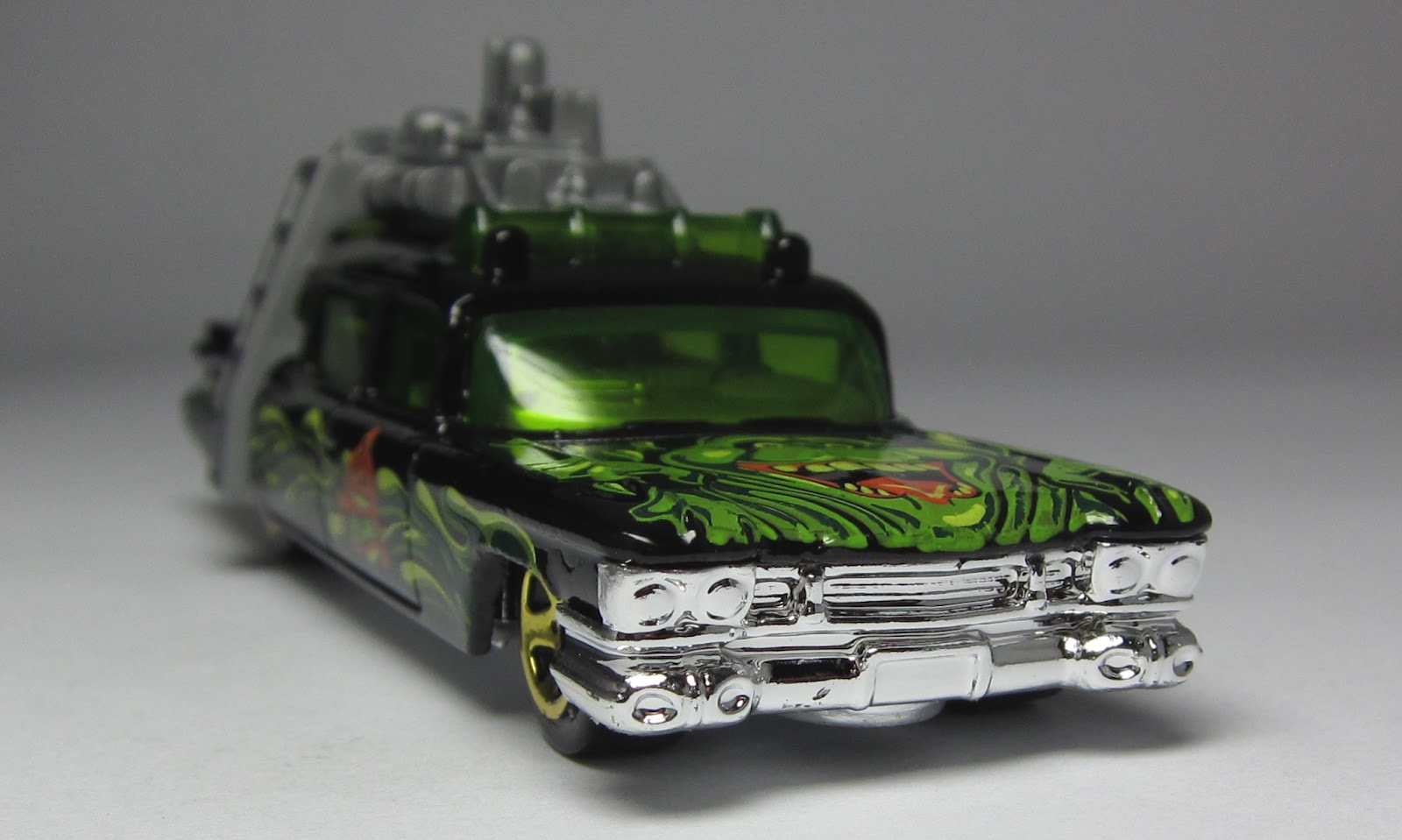 First look hot wheels halloween exclusive 1966 batmobile and first look hot wheels halloween exclusive 1966 batmobile and ghostbusters ecto 1 altavistaventures Choice Image