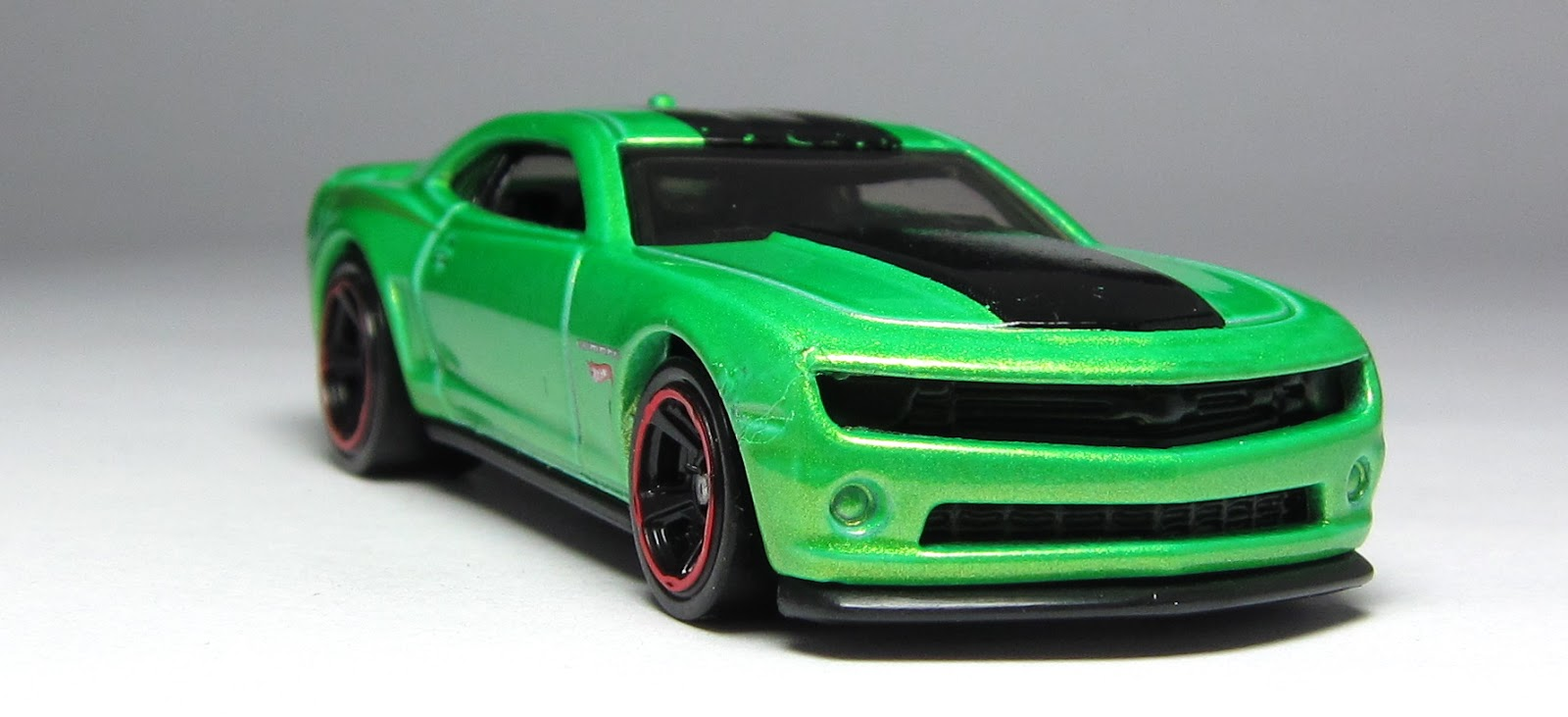 first look hot wheels 70 buick gsx 2013 chevy camaro special edition in green thelamleygroup. Black Bedroom Furniture Sets. Home Design Ideas