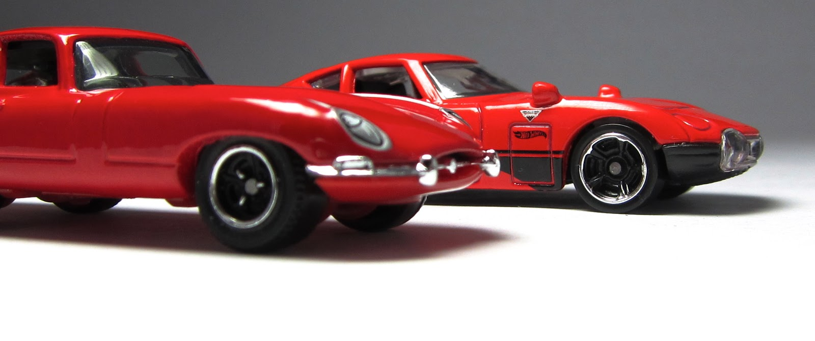 A Tale Of Two Hot Wheels Toyota 2000gt Amp Matchbox 61