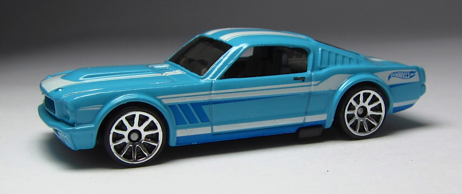 hot wheels 65 mustang 22 fastback 2013 basic recolor - Rare Hot Wheels Cars 2013