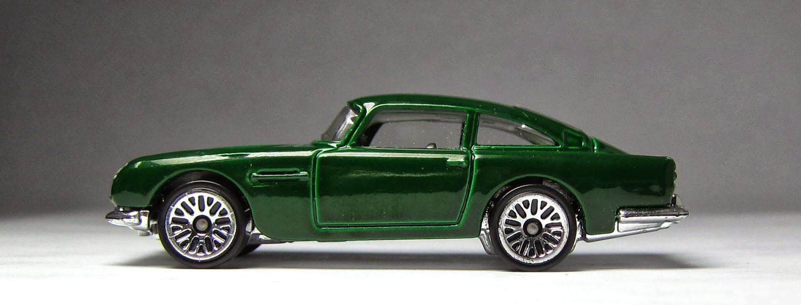 www.realypic.com  imagesize:956x1440h Hot Wheels 1963 Aston Martin DB5 (2014 New Models):