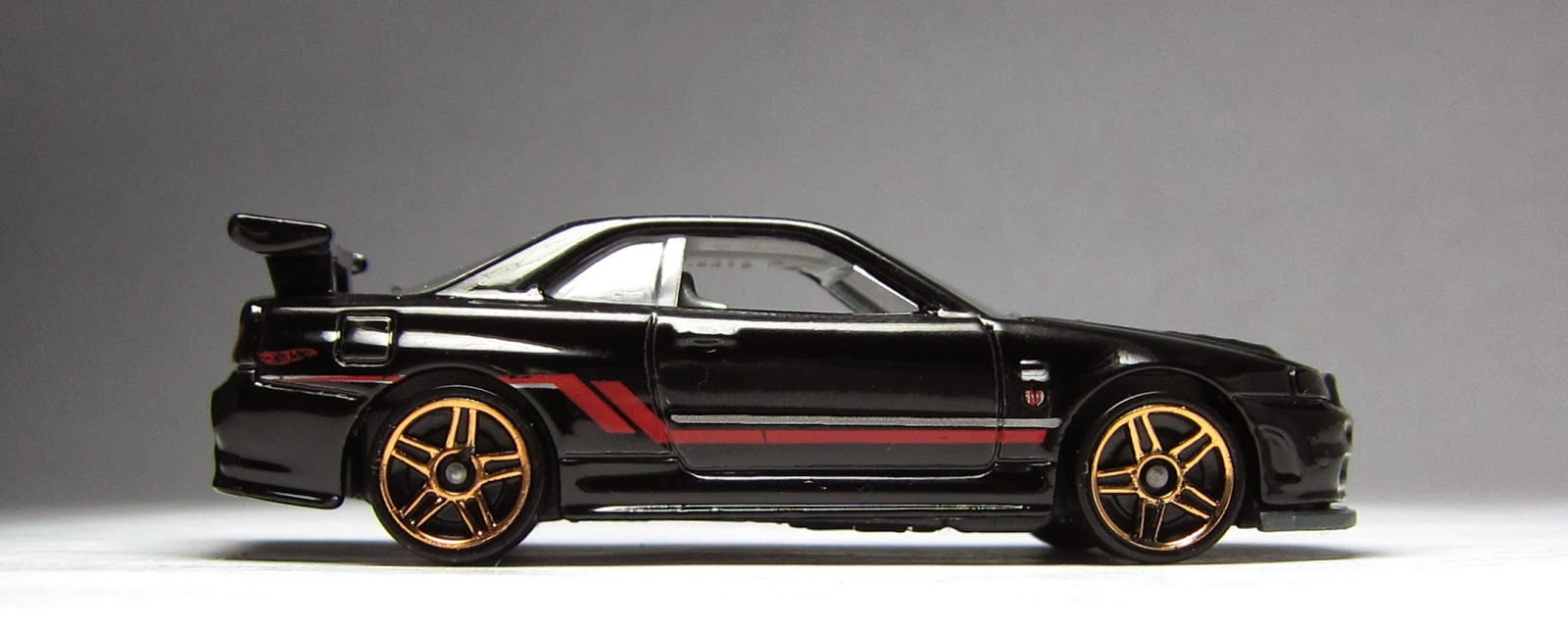 first look newly modified hot wheels nissan skyline gt r. Black Bedroom Furniture Sets. Home Design Ideas