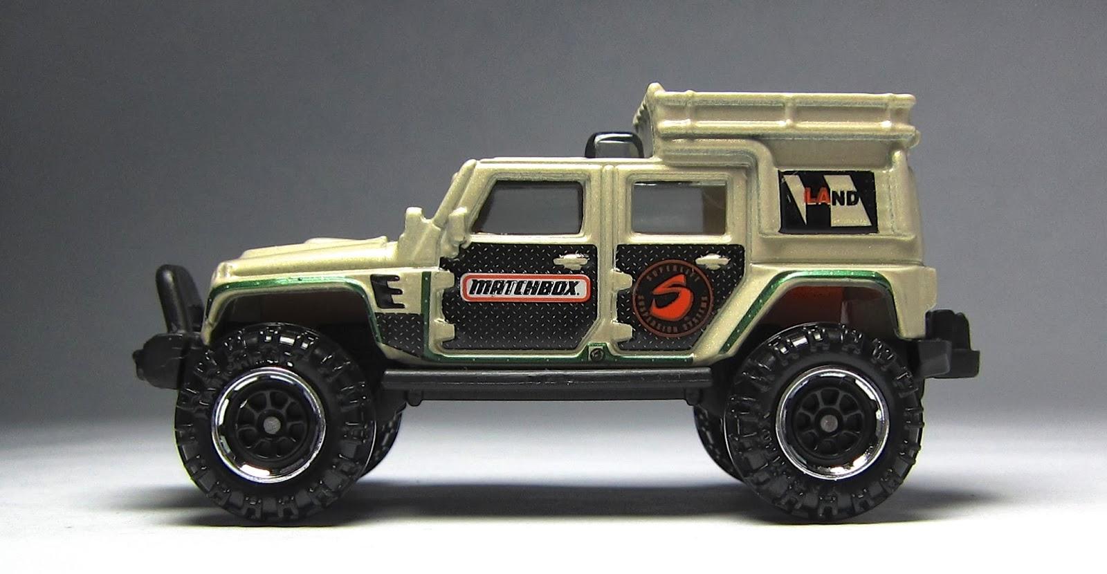 first look 2014 matchbox porsche 911 gt3 mount mover ford ambulance toyota 4runner jeep. Black Bedroom Furniture Sets. Home Design Ideas
