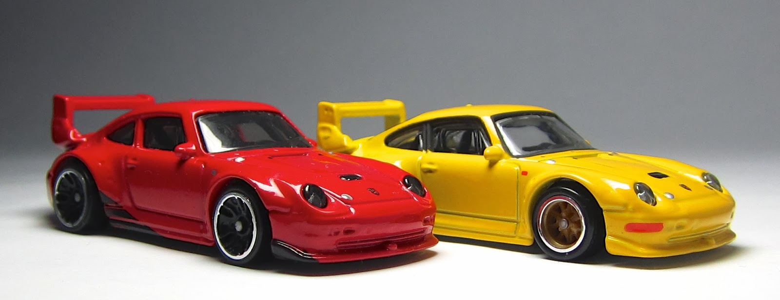 first look 2014 hot wheels porsche 993 gt2 thelamleygroup. Black Bedroom Furniture Sets. Home Design Ideas