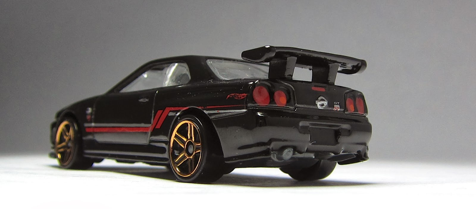 Nissan nissan sky : First Look: Newly modified Hot Wheels Nissan Skyline GT-R R34 ...