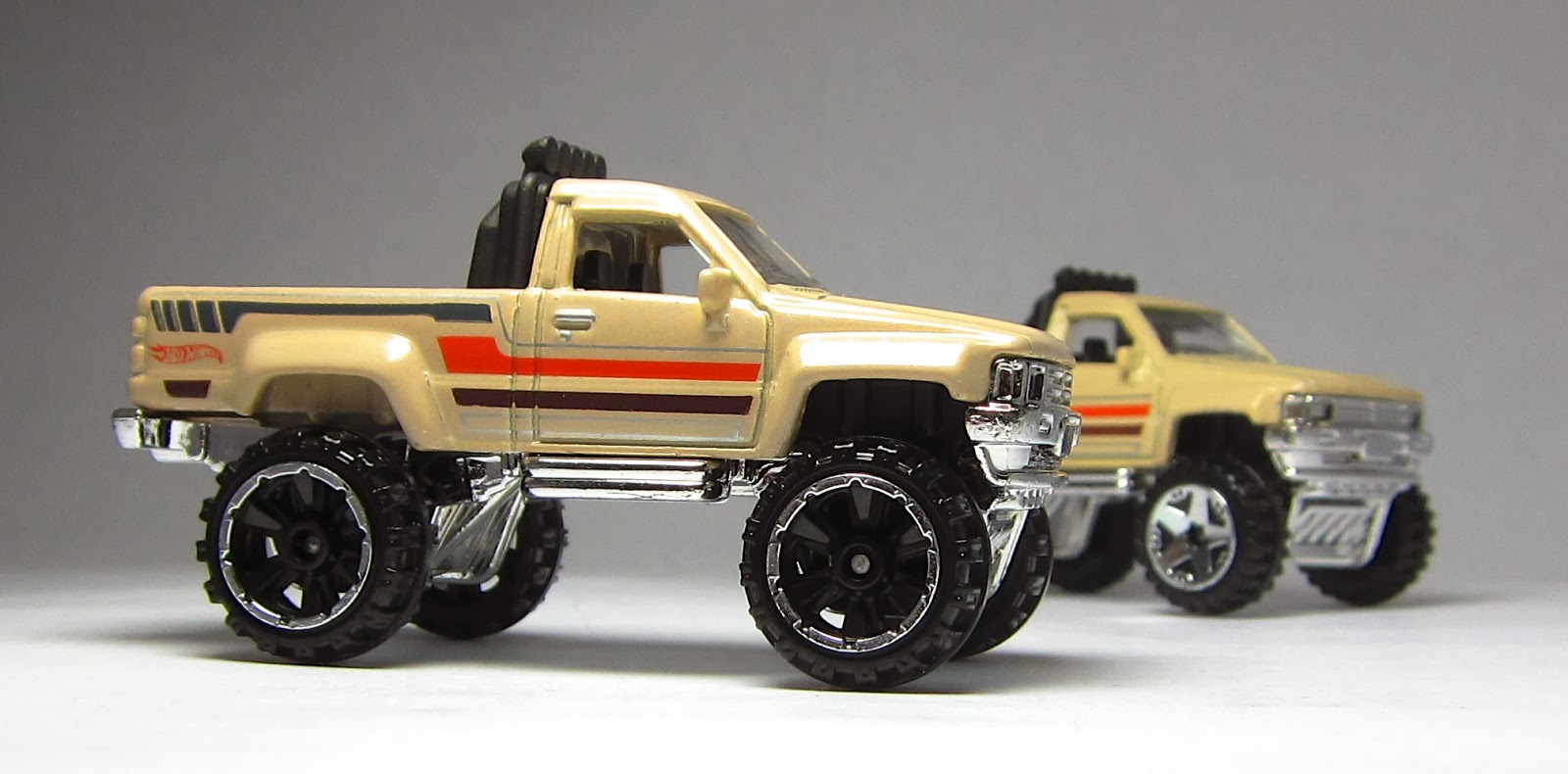 variation alert rare hot wheels 87 toyota truck with or6sp wheels is being found in canada - Rare Hot Wheels Cars 2013