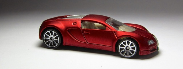 model of the day 2010 hot wheels walmart exclusive bugatti veyron the lamley group. Black Bedroom Furniture Sets. Home Design Ideas