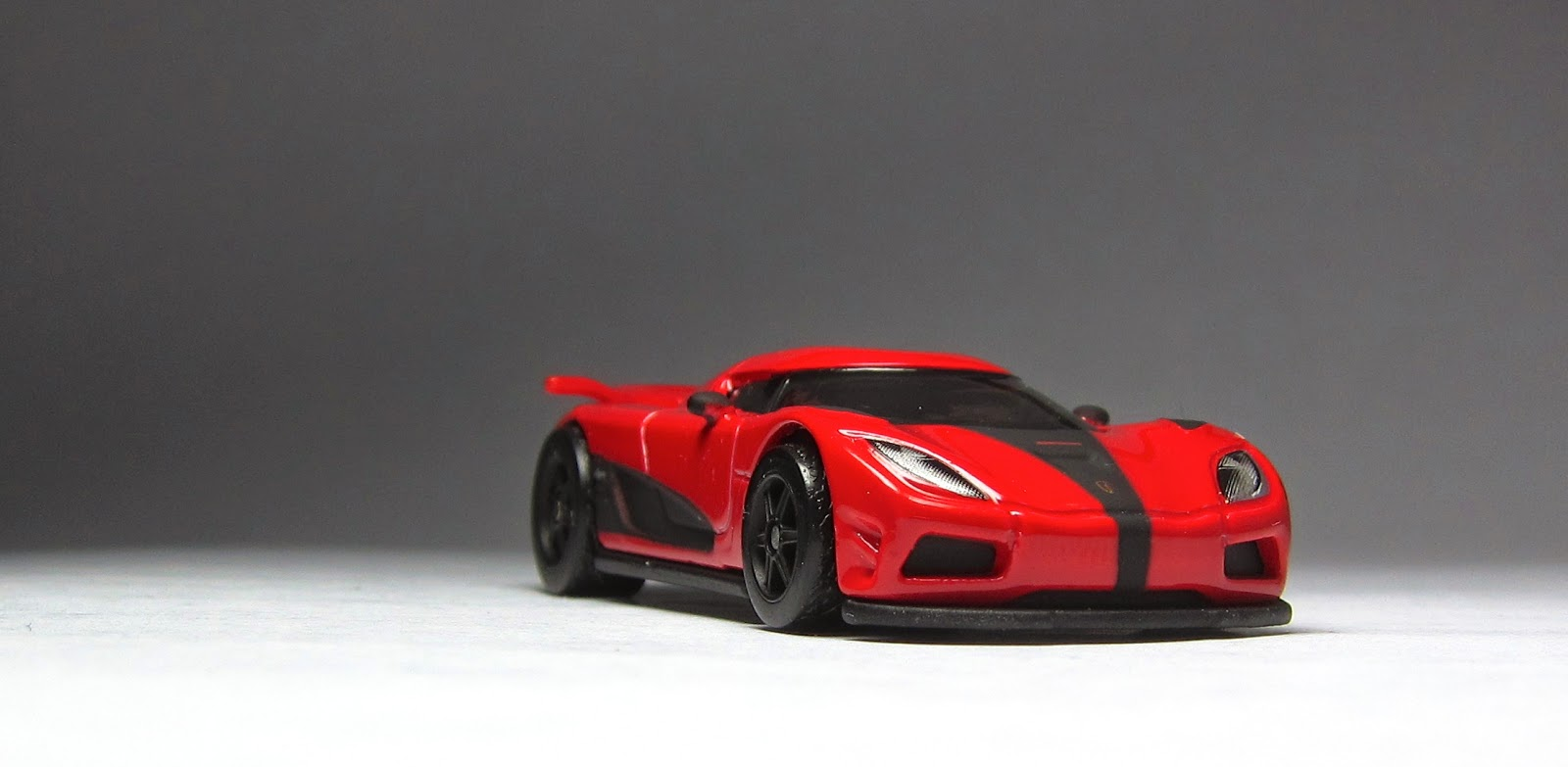First Look: Hot Wheels Retro Entertainment Koenigsegg ...