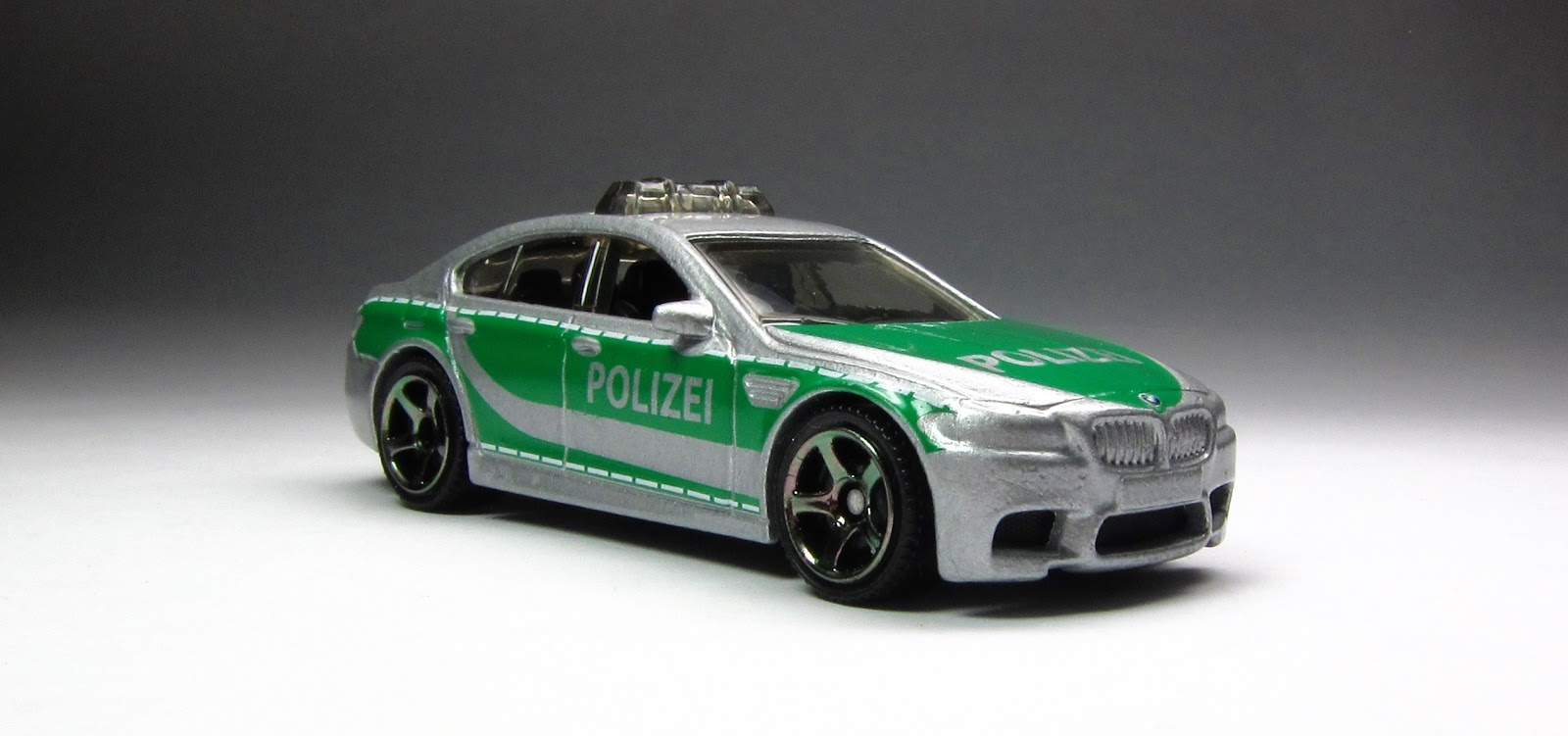 first look 2015 matchbox bmw m5 police thelamleygroup. Black Bedroom Furniture Sets. Home Design Ideas