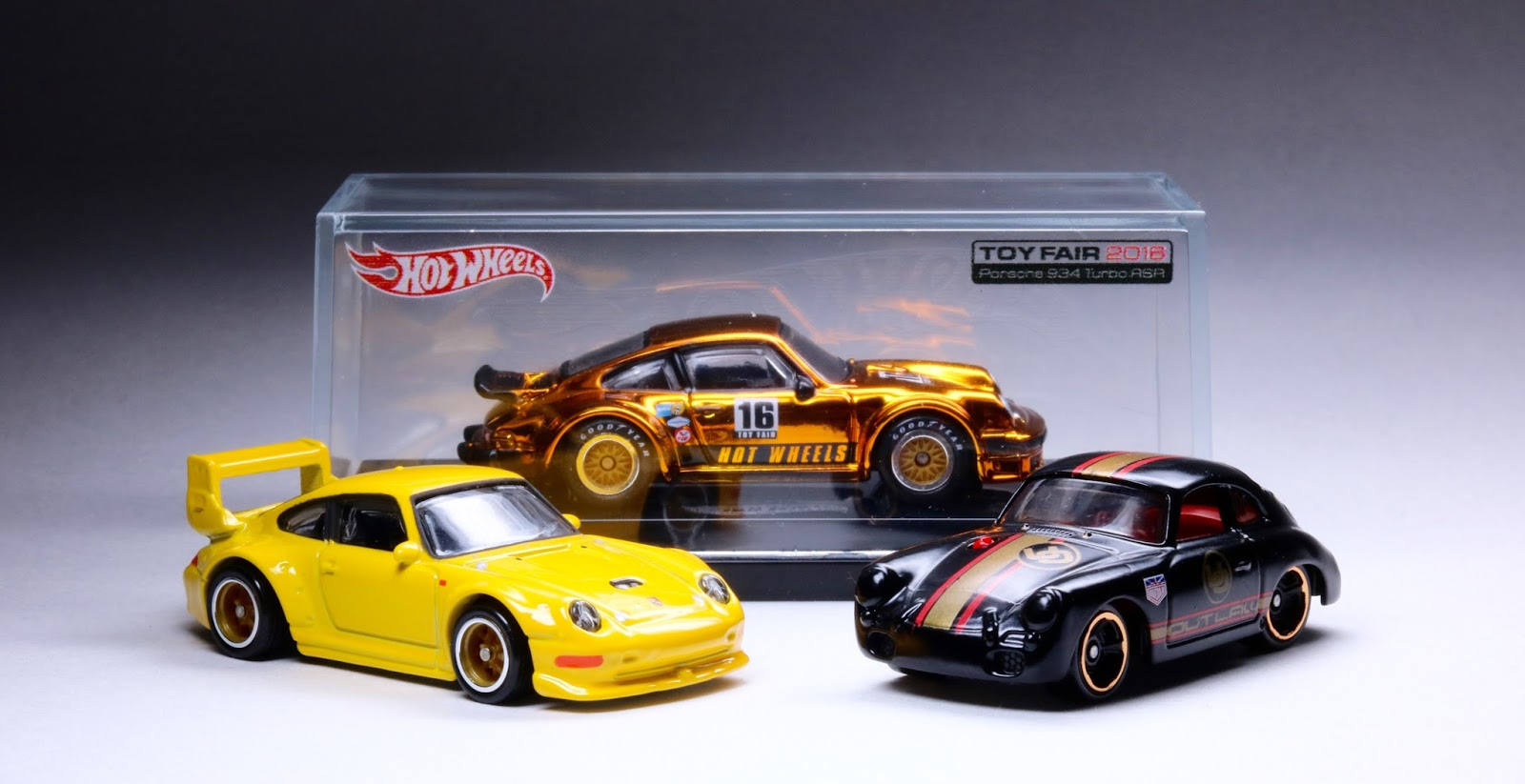 2016 hot wheels kicks into high gear with the porsche 356a. Black Bedroom Furniture Sets. Home Design Ideas