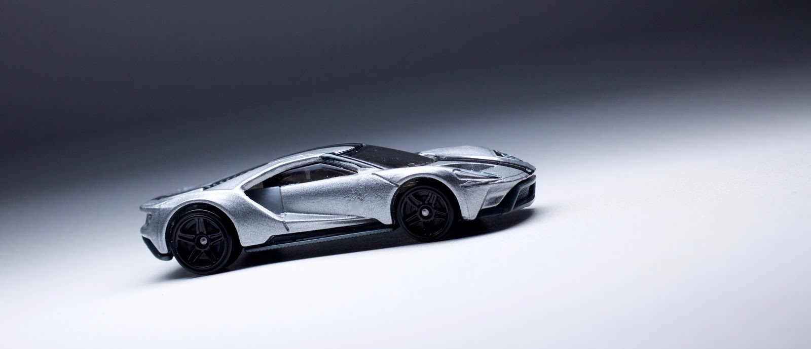 Grey With A Black Stripe And Black Rims Is A Standard Look For The Ford Gt And It Makes This Casting Look Really Good When Featuring A Model Like This
